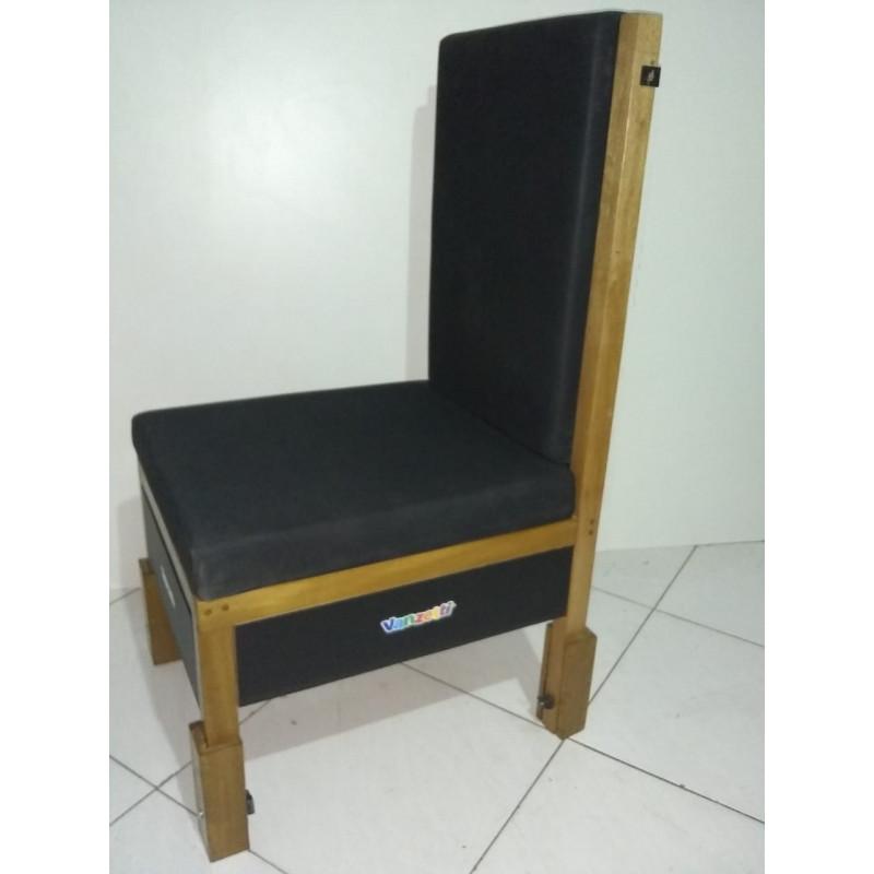 Cadeira Adaptada com Gaveta